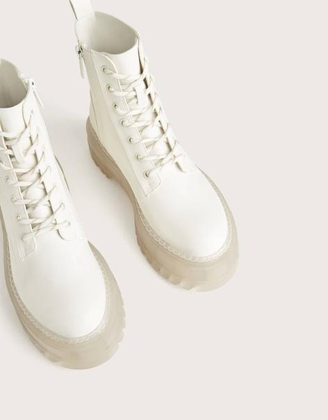 Ботинки на платформе с прозрачной подошвой