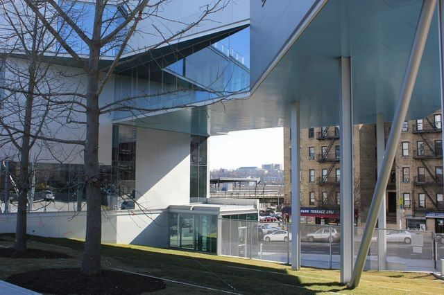Campbell Sports Center / Steven Holl Architects