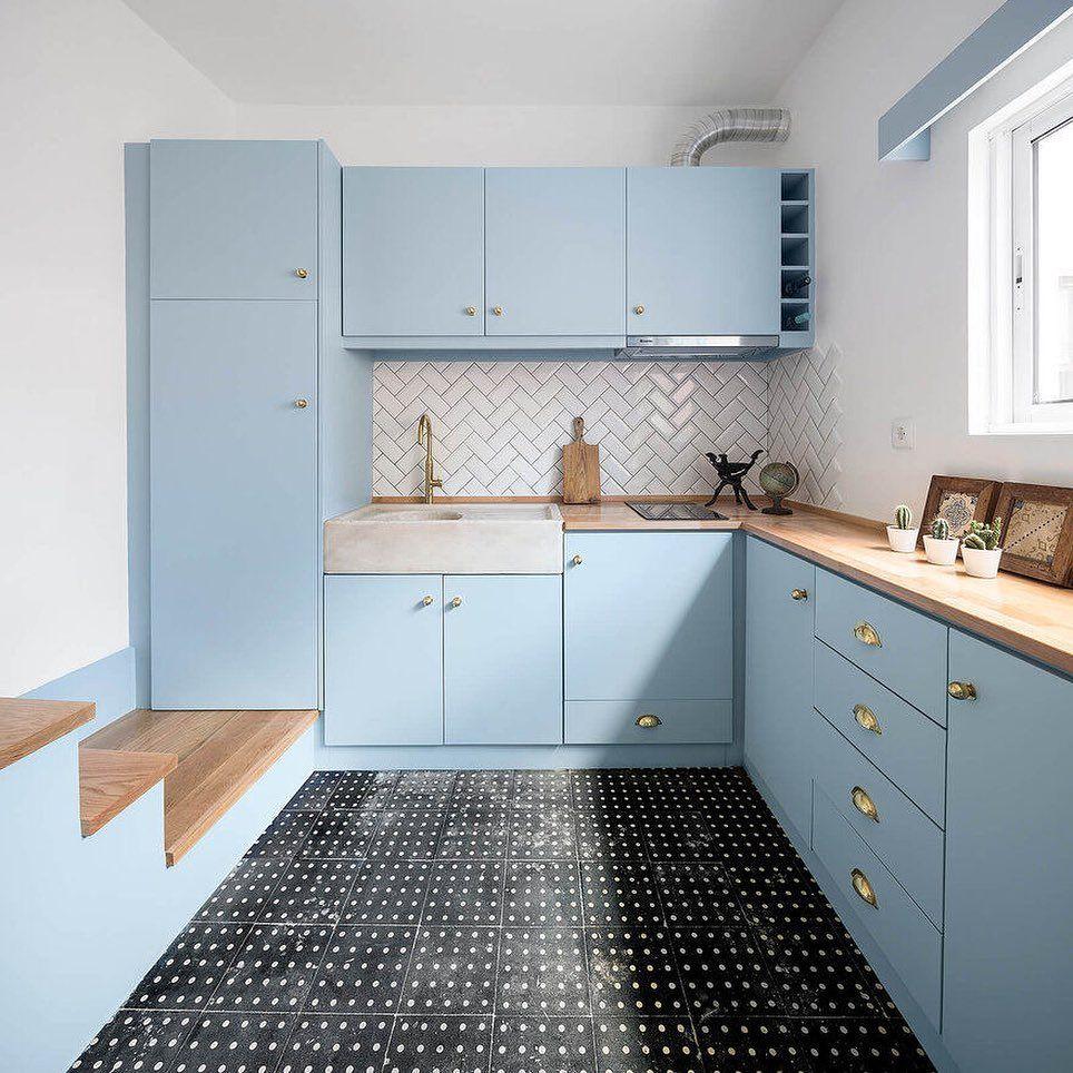 Светло-голубой интерьер квартиры