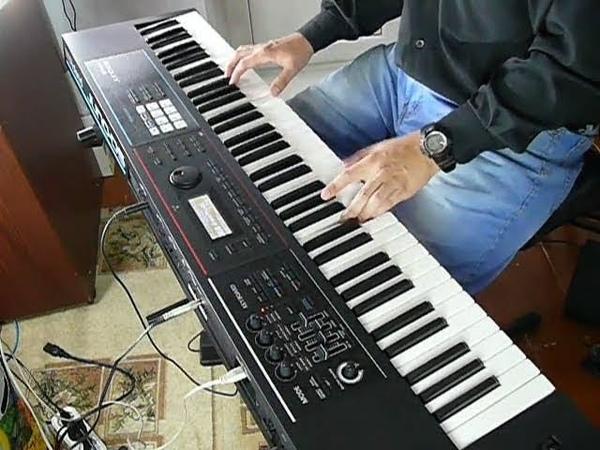 Roland Juno DS Piano Demo (Grand Pno DS)