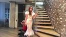 Белое ажурное платье Ирнесте с перышками и серебряным пояском