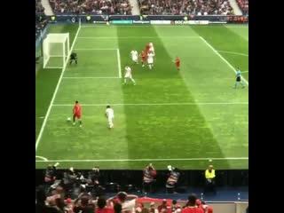 Тот самый момент, когда Роналду завершил карьеру защитника сборной Швейцарии глазами болельщиков