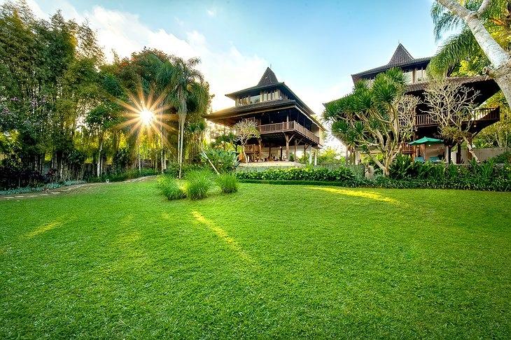 Лучшие отели мира от Soul Travel Villa Atas Awan (Индонезия), изображение №1