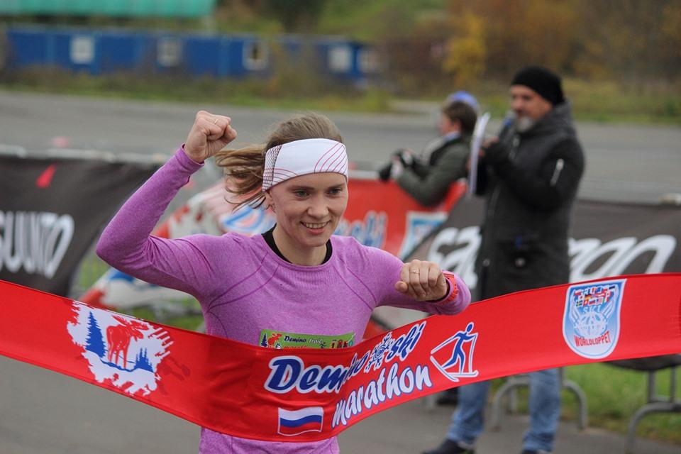 Фотография Ольги Беловой.  Абсолютный победитель трейлового полумарафона в Дёмино 2019. Забег в Рыбинском р-не Ярославской области