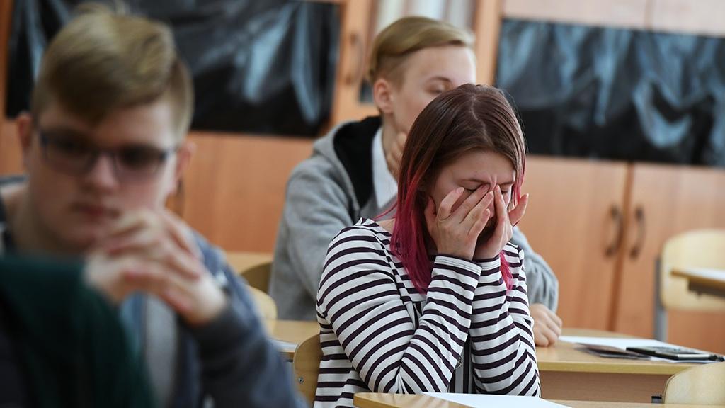 Минпросвещения запретило выгонять школьников с уроков из-за внешнего вида