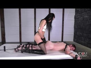 Female domination,humiliation.beautiful girl strapon (1)