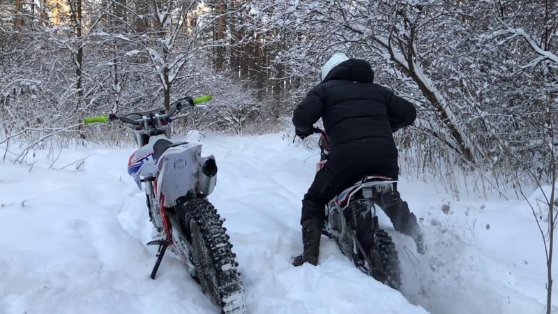 Веселый KAYOT гоняем по снегу