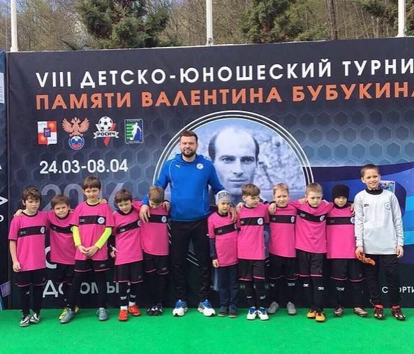 Футбол занятия для детей 12 лет в Москве