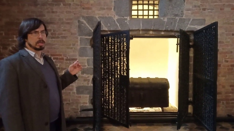 Казна в башне Брюгге/Treasury in the tower in Bruges