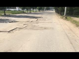 Городские власти преднамеренно портят дороги, вместо того чтобы немедленно ремонтировать