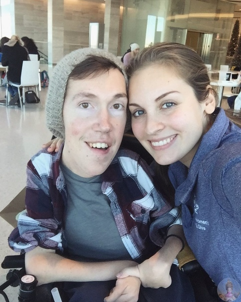 Влюбленная пара Ханна и Шейн. У Шейна спинальная мышечная атрофия и Ханна делает все для того, чтобы популизировать это заболевание и образ жизни, который вынуждены вести носители этого