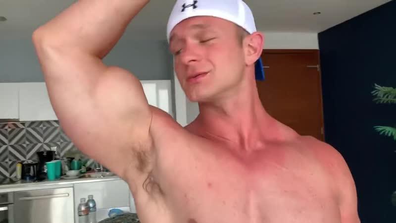 Muscle Flexing Joey