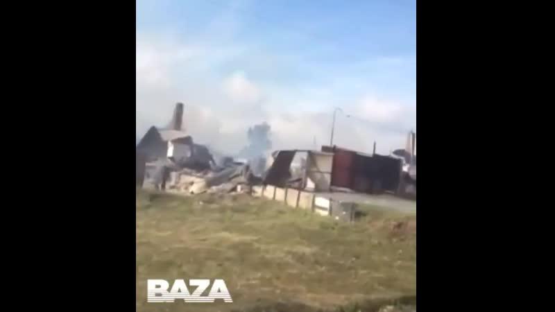 Зруйновані будинки, паруюча земля, пориті воронками вулиці і городи на Росії