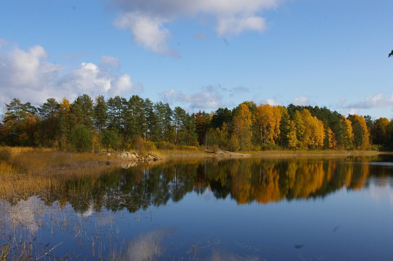 Поход на Ладожское озеро и озеро Суури в октябре. Ладожские шхеры