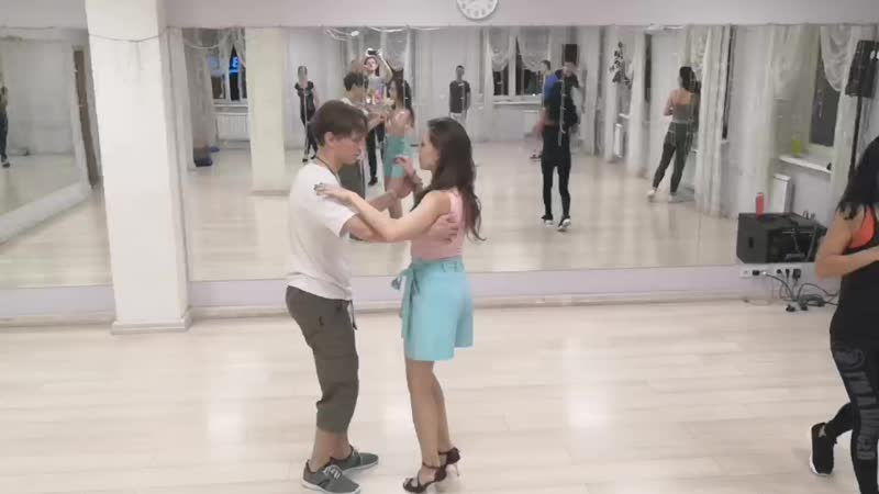 Bachata beginner group 2019.10.18