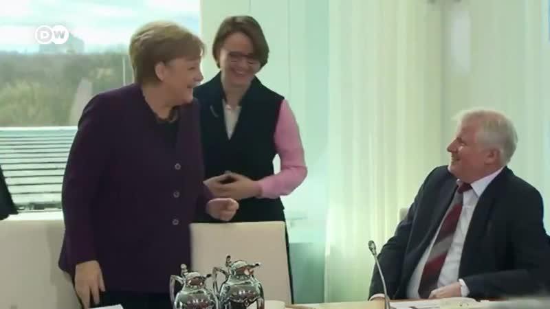 Le ministre de l'intérieur Allemand a refusé ce matin de serrer la main de Angela Merkel par peur de l'épidémie de coronavirus