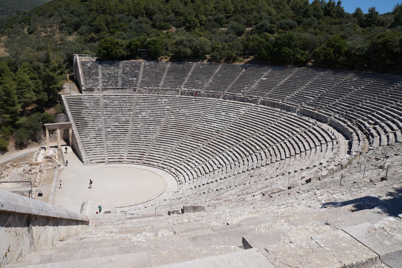 Самый большой в мире греческий театр в Эпидавре