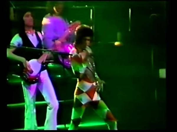 Queen live in earls court 6-6-1977 part 1.VOB