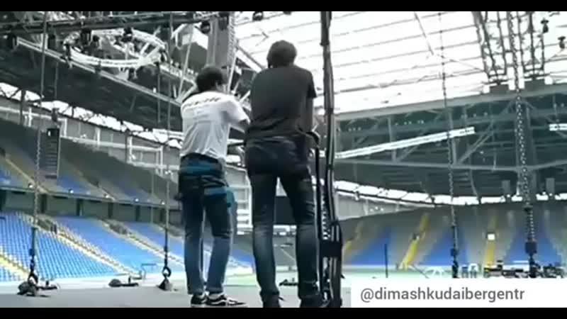 Bu videoyu Kazakistanda verdiği konserden önce hazırlayıp paylaşmıştım. Dimash ( 391 X 750 ).mp4