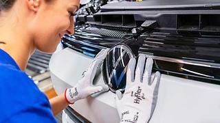 2020 VW GOLF 8 production line  Volkswagen Car Factory