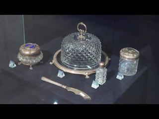 Видео-гид по залу художественного хрусталя. The museum collection of art crystal and glass