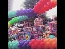 Wolfgang and Kala Sense8 Netflix dance scene, Parada LGBT São Paulo.