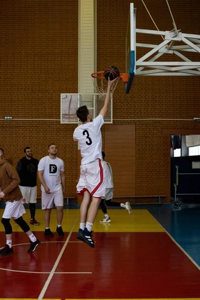 Баскетбольный марафон «Схватка поколений» от Funky Dunky