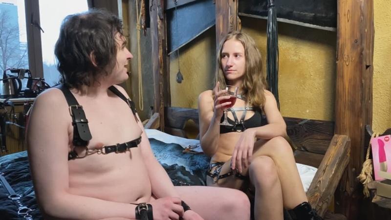 БДСМ госпожа трахает раба вибратором, секс с вибратором, вибратор пульсатор, Fun Factory Sundaze, анальный крюк