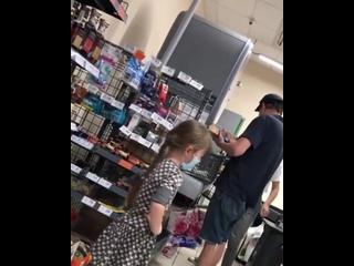 В Харькове родители отказались покупать девочке вкусняхи