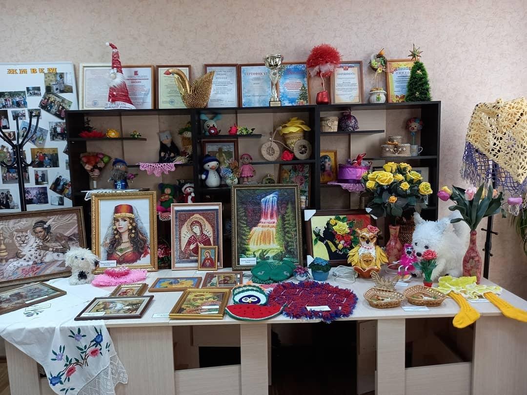 Петровчане старшего возраста поучаствовали в выставке декоративно-прикладного творчества