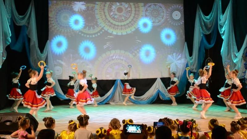 Тарантелла Группа эстрадного танца Искорки 6 7 лет