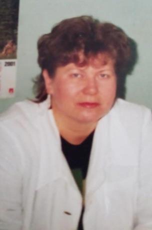 Смирнова Людмила Анатольевна – медицинская сеста, стаж работы 40 лет.