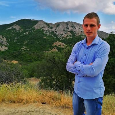 Aleksey, 24, Feodosiya