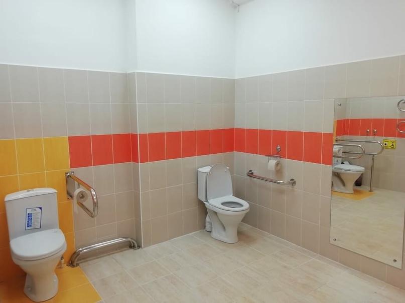 В ухтинской начальной школе №23 создали безбарьерную среду, изображение №2