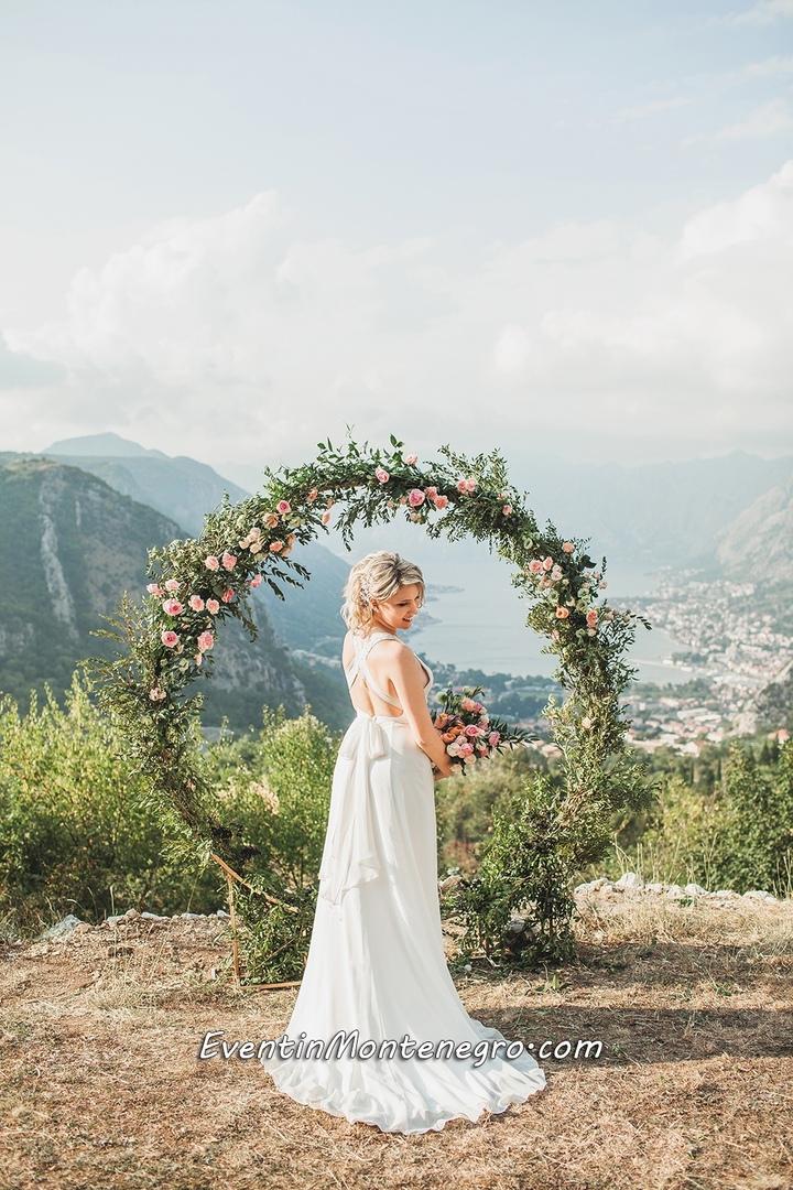 Чувства на высоте. Свадьба в Черногории, изображение №3