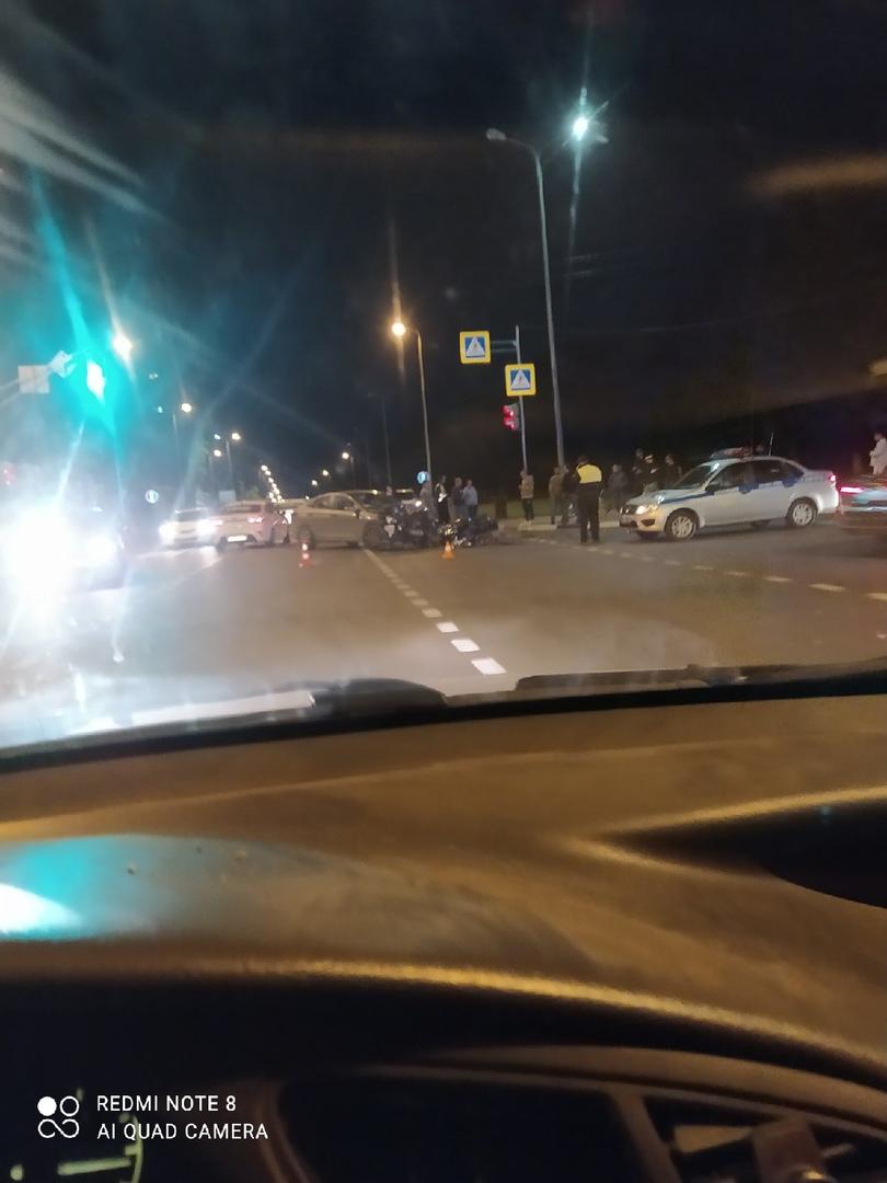 авария с мотоциклом на проспекте Молодежный в Нижнем Новгороде 4 июня