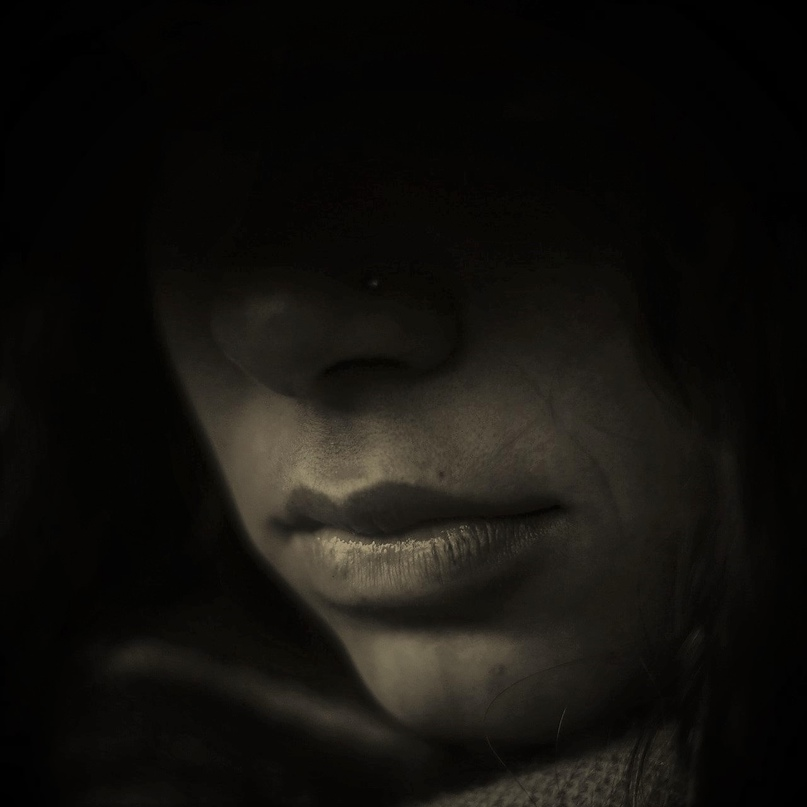 серебро чародейских глаз выдавать за бельма учит старый колдун молоденькую девчо...