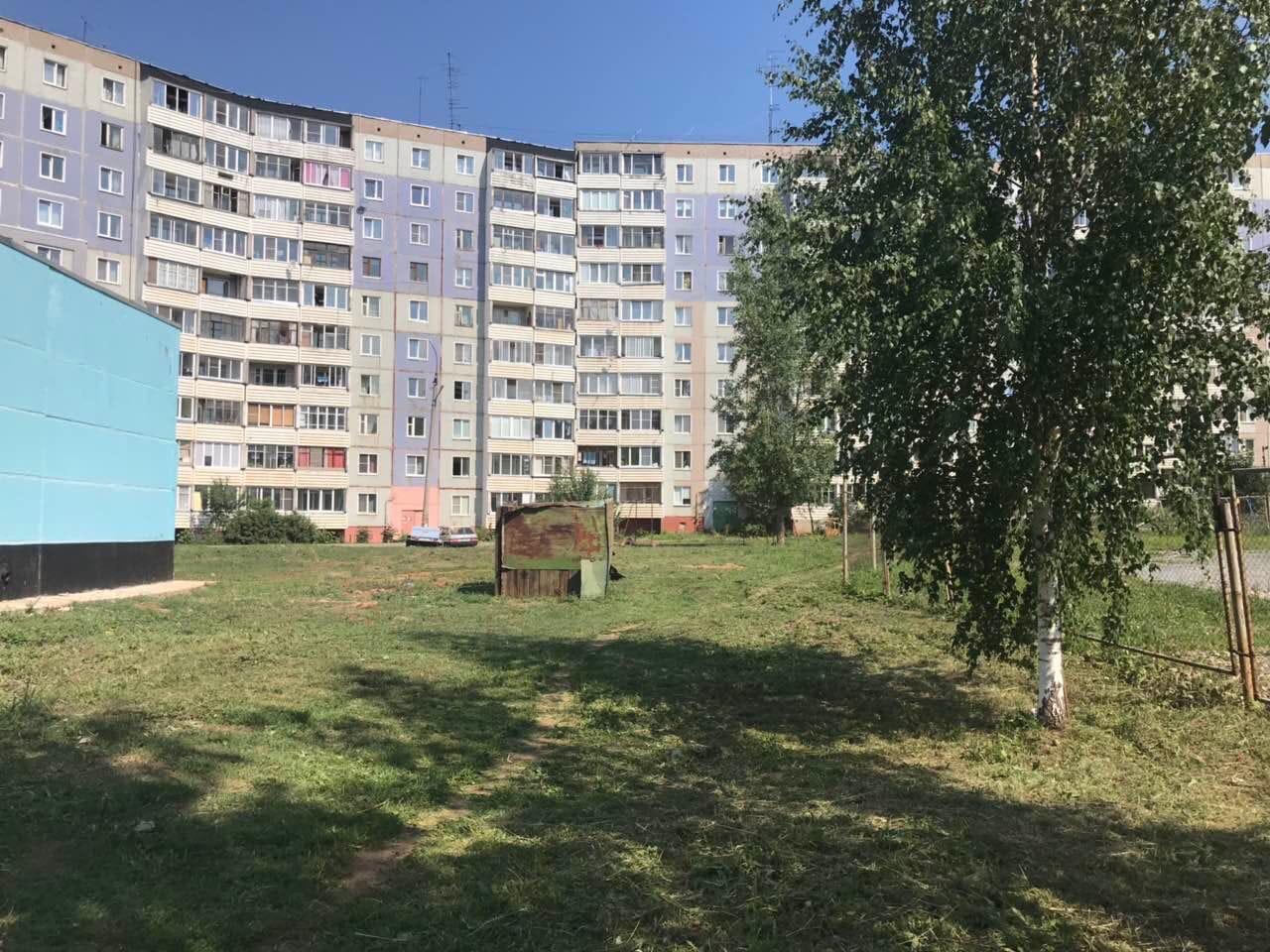 Улица Московская дом 164- скошена трава