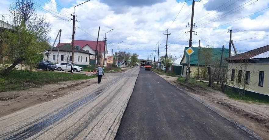 В Петровске проводится плановый ремонт дорожного покрытия на улице Ломоносова
