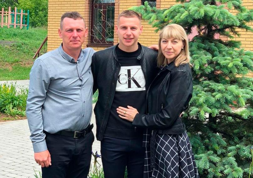 Глеб с родителями