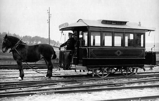 Старинный трамвай – уникальный вид общественного транспорта с вековой историей.