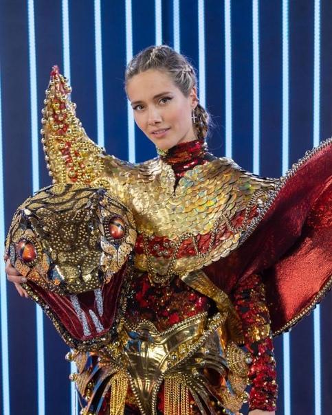 Под маской змеи в шоу Маска все это время была Юлия Паршута: «Я очень ждал ее в первом сезоне, и мне неважно, что она третья. Мне неважно, кто там. Это Юлия Паршута»Ну, никто этому не удивлен.