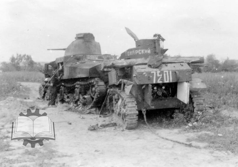 """Еще один печальный пример. Погибшие М3С и М3Л из состава 192-й танковой бригады. Типичный пример явления """"пехота не пошла за танками и залегла"""". В результате бригада потеряла за день основную часть танков."""