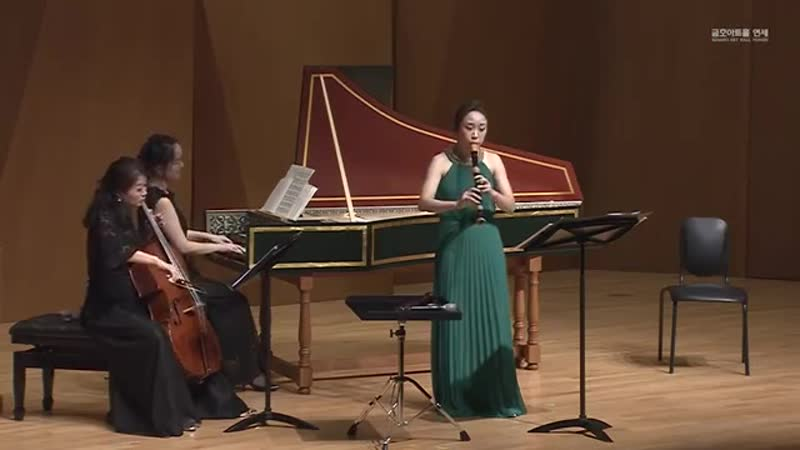 997 (2-3) J S Bach - Fuga and Sarabande for recorder and basso continuo from Suite in d minor BWV 997 - Hyowon Lee, recorder