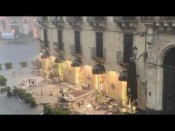 Tornado su Catania il violento temporale con pioggia e grandine causa danni e feriti