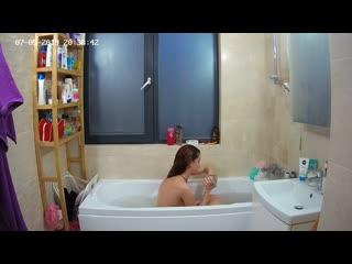 Spy cam bath room young nude teen girl.