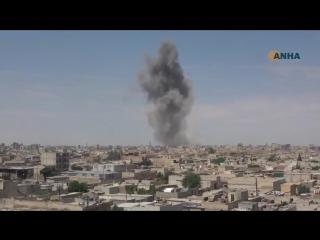 Сегодня утром, в городе Ракка, контролируемом Сирийскими Демократическими Силами, прогремел мощный взрыв. Местные источники со