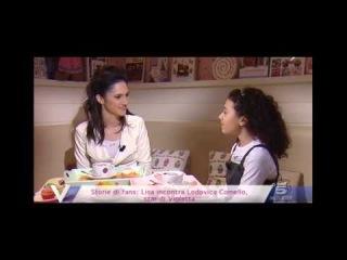Lodovica Comello star di Violetta risponde alle domande di una sua piccola ammiratrice