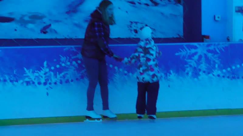 ВЛАДА и ЛИЗА на льду