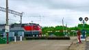 RailWay. Railroad crossing. 3ES5K with gondola cars / Ермак с полувагонами проходит жд. переезд